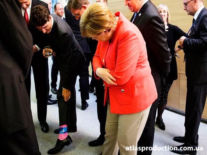 Яркие носки канадского премьер-министра.